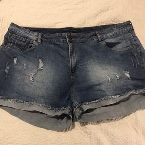 PLUS SIZE JEAN SHORTS